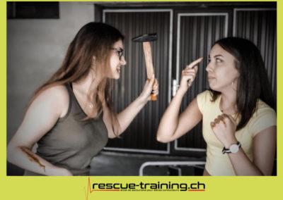 Rescue-training école de secourisme idem samaritains sauveteur permis de conduire entreprises BLS AED petite enfance Valais Lucien Cottier Street-L auto-école Riddes.004