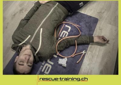 Rescue-training école de secourisme idem samaritains sauveteur permis de conduire entreprises BLS AED petite enfance Valais Lucien Cottier Street-L auto-école Riddes.020