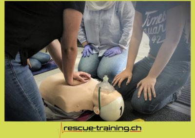 Rescue-training école de secourisme idem samaritains sauveteur permis de conduire entreprises BLS AED petite enfance Valais Lucien Cottier Street-L auto-école Riddes.023