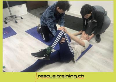 Rescue-training école de secourisme idem samaritains sauveteur permis de conduire entreprises BLS AED petite enfance Valais Lucien Cottier Street-L auto-école Riddes.045