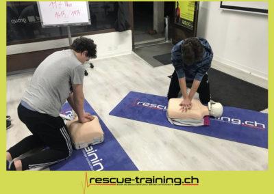 Rescue-training école de secourisme idem samaritains sauveteur permis de conduire entreprises BLS AED petite enfance Valais Lucien Cottier Street-L auto-école Riddes.047