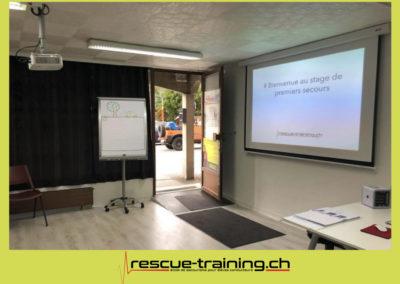 Rescue-training école de secourisme idem samaritains sauveteur permis de conduire entreprises BLS AED petite enfance Valais Lucien Cottier Street-L auto-école Riddes.063