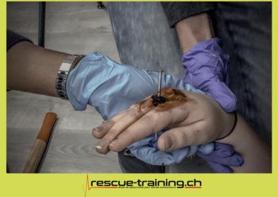 Rescue-training école de secourisme idem samaritains sauveteur permis de conduire entreprises BLS AED petite enfance Valais Lucien Cottier Street-L auto-école Riddes.066