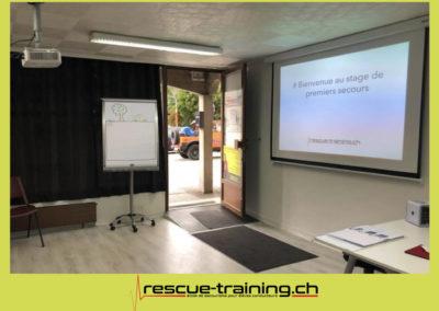 Rescue-training école de secourisme idem samaritains sauveteur permis de conduire entreprises BLS AED petite enfance Valais Lucien Cottier Street-L auto-école Riddes.073
