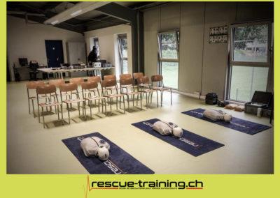Rescue-training école de secourisme idem samaritains sauveteur permis de conduire entreprises BLS AED petite enfance Valais Lucien Cottier Street-L auto-école Riddes.075