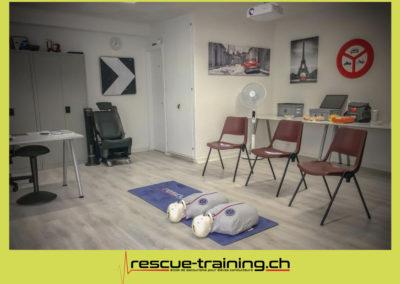Rescue-training école de secourisme idem samaritains sauveteur permis de conduire entreprises BLS AED petite enfance Valais Lucien Cottier Street-L auto-école Riddes.008