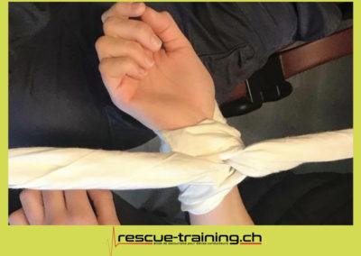 Rescue-training école de secourisme idem samaritains sauveteur permis de conduire entreprises BLS AED petite enfance Valais Lucien Cottier Street-L auto-école Riddes.031