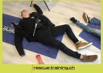 Rescue-training école de secourisme idem samaritains sauveteur permis de conduire entreprises BLS AED petite enfance Valais Lucien Cottier Street-L auto-école Riddes.034