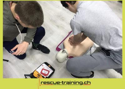 Rescue-training école de secourisme idem samaritains sauveteur permis de conduire entreprises BLS AED petite enfance Valais Lucien Cottier Street-L auto-école Riddes.037