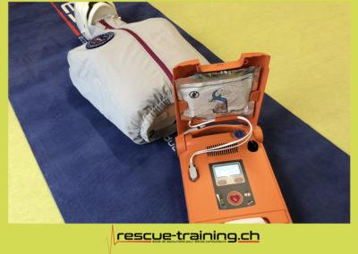 Rescue-training école de secourisme idem samaritains sauveteur permis de conduire entreprises BLS AED petite enfance Valais Lucien Cottier Street-L auto-école Riddes.040