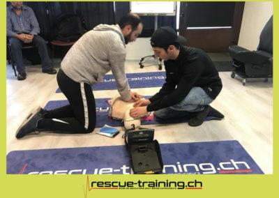 Rescue-training école de secourisme idem samaritains sauveteur permis de conduire entreprises BLS AED petite enfance Valais Lucien Cottier Street-L auto-école Riddes.046