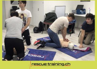 Rescue-training école de secourisme idem samaritains sauveteur permis de conduire entreprises BLS AED petite enfance Valais Lucien Cottier Street-L auto-école Riddes.050