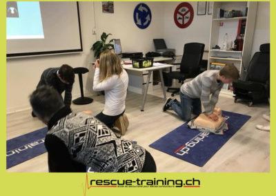 Rescue-training école de secourisme idem samaritains sauveteur permis de conduire entreprises BLS AED petite enfance Valais Lucien Cottier Street-L auto-école Riddes.051
