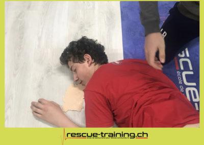Rescue-training école de secourisme idem samaritains sauveteur permis de conduire entreprises BLS AED petite enfance Valais Lucien Cottier Street-L auto-école Riddes.053