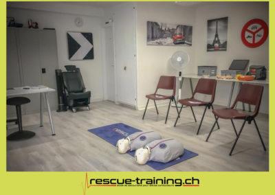 Rescue-training école de secourisme idem samaritains sauveteur permis de conduire entreprises BLS AED petite enfance Valais Lucien Cottier Street-L auto-école Riddes.065