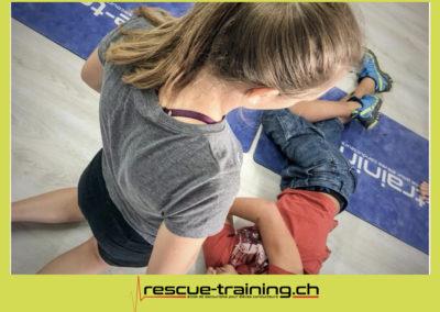 Rescue-training école de secourisme idem samaritains sauveteur permis de conduire entreprises BLS AED petite enfance Valais Lucien Cottier Street-L auto-école Riddes.067