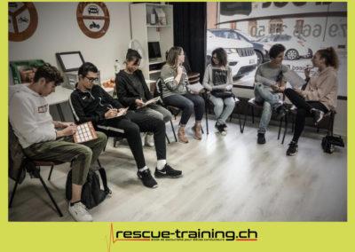 Rescue-training école de secourisme idem samaritains sauveteur permis de conduire entreprises BLS AED petite enfance Valais Lucien Cottier Street-L auto-école Riddes.070