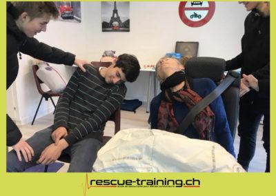 Rescue-training école de secourisme idem samaritains sauveteur permis de conduire entreprises BLS AED petite enfance Valais Lucien Cottier Street-L auto-école Riddes.074