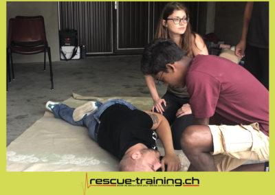 Rescue-training école de secourisme idem samaritains sauveteur permis de conduire entreprises BLS AED petite enfance Valais Lucien Cottier Street-L auto-école Riddes.076