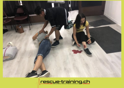 Rescue-training école de secourisme idem samaritains sauveteur permis de conduire entreprises BLS AED petite enfance Valais Lucien Cottier Street-L auto-école Riddes.077